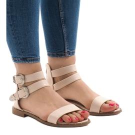 Różowe płaskie sandały z klamerką 170