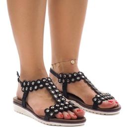 Czarne sandały na delikatnej koturnie L-129