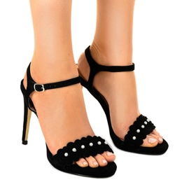 Czarne sandały na szpilce kwiatki TN-001