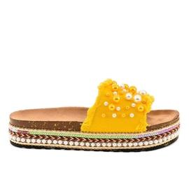 Żółte zdobione klapki perełki 1035