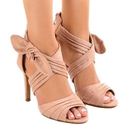 Różowe zamszowe sandałki szpilki kokardka J-23