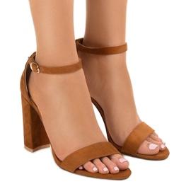 Brązowe eleganckie sandały na słupku LA-106