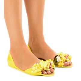 Żółte sandałki meliski z kwiatkami AE20