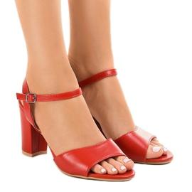 Czerwone sandały na słupku odkryte FZ583