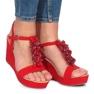Czerwone sandały na koturnie Liris