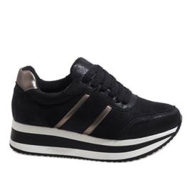 Czarne sneakersy na platformie 99-09