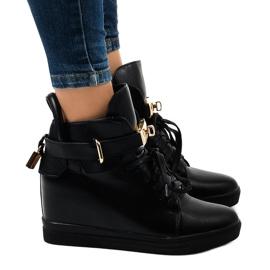 Czarne sneakersy na koturnie z klamrą H6600A
