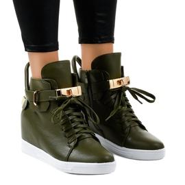 Zielone sneakersy na koturnie z klamrą H6600-77