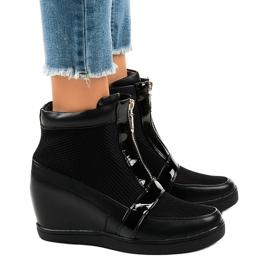 Czarne sneakersy na koturnie z suwakiem 2666-10