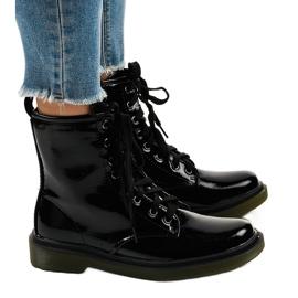 Czarne lakierowne botki glany SD708
