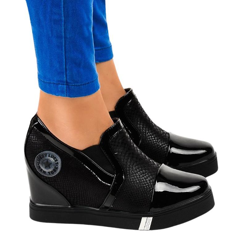 Czarne sneakersy na koturnie T1711-1