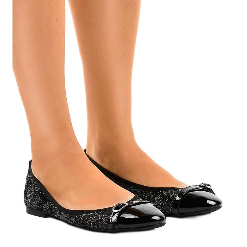 Czarne ażurowe balerinki 3026