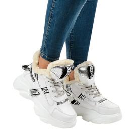Białe damskie sneakersy ocieplane D80-31
