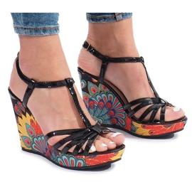 Czarne sandały na koturnie Ibrahim