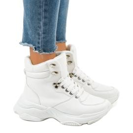 Białe damskie sneakersy ocieplane C-3132