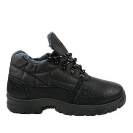 Czarne obuwie trekkingowe 7M700