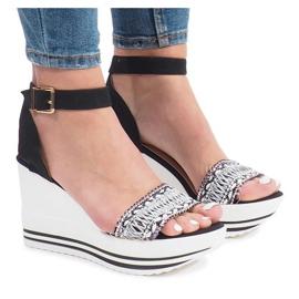 Czarne sandały na koturnie Laculpa