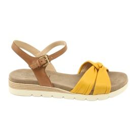 Caprice sandały skórzane beżowe/lemon brązowe żółte