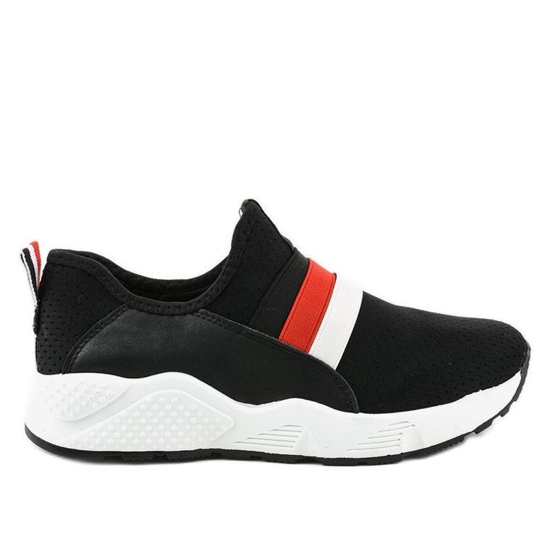 Czarne obuwie sportowe wsuwane NB256P-1