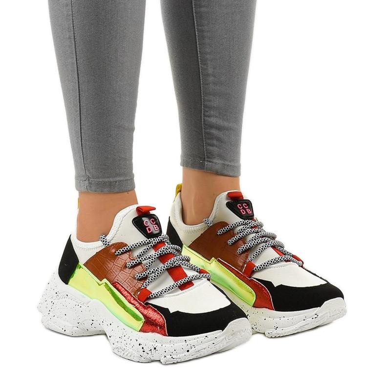 Białe sneakersy sportowe zdobione HL-03 czarne czerwone zielone