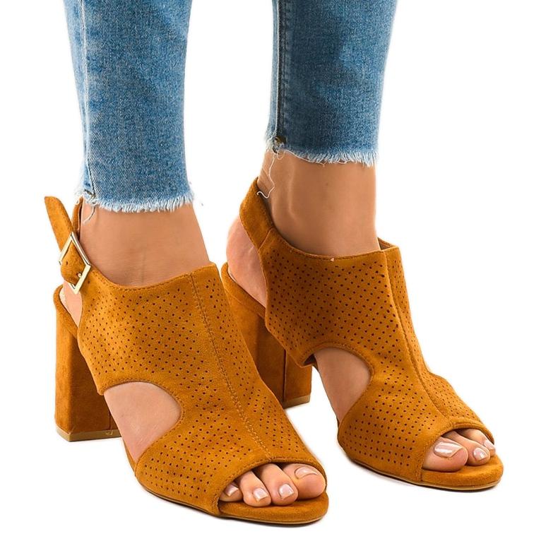 Camel sandały ażurowe z wycięciem 99-33A brązowe