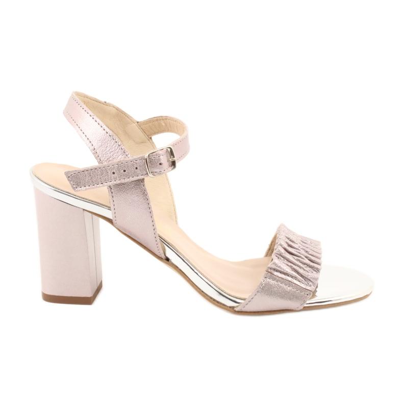 Skórzane sandały na słupku Gamis 3949 różowe szare