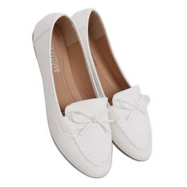 Mokasyny damskie białe 98-30 White