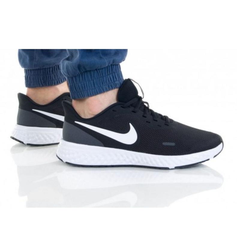 Buty Nike Revoution 5 4E M BQ6714-003 białe czarne