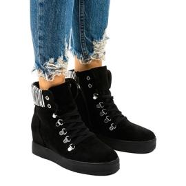 Czarne sneakersy na koturnie Kalista