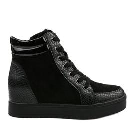 Czarne sneakersy na koturnie Doreala