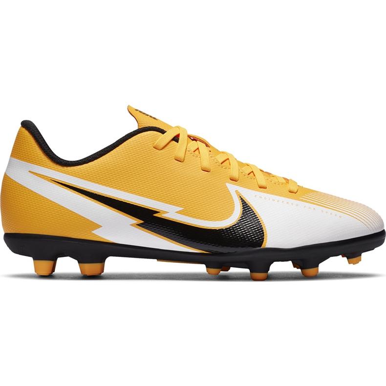 Buty piłkarskie Nike Mercurial Vapor 13 Club FG/MG Junior AT8161 801 pomarańczowe żółte