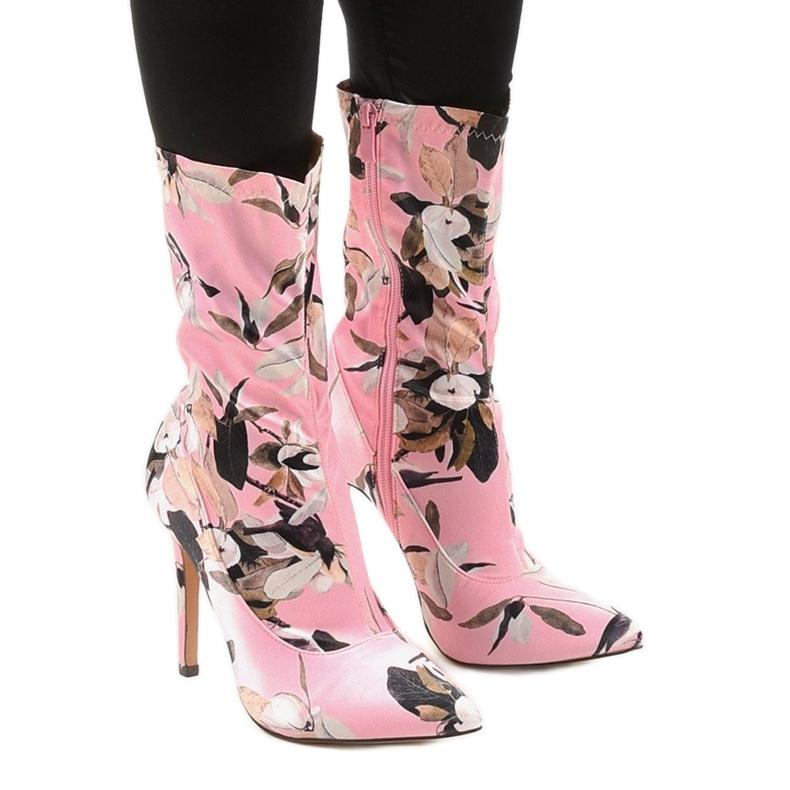 Różowe botki na szpilce ze skarpetą Santana wielokolorowe