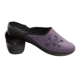 Befado obuwie damskie kapcie klapki 552D006 fioletowe wielokolorowe 3