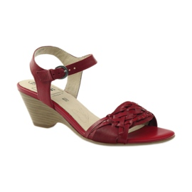Czerwone sandały na koturnie Caprice 28303 1