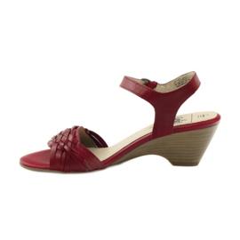 Czerwone sandały na koturnie Caprice 28303 2