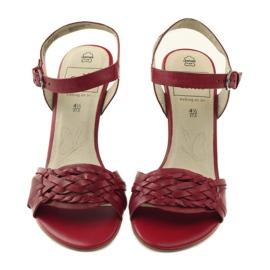 Czerwone sandały na koturnie Caprice 28303 4