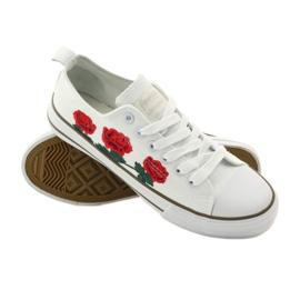 American Club Trampki haftowane róże American 17035 czerwone białe 3