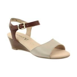 Caprice buty damskie sandały skórzane 28213 brązowe 1