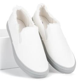 Seastar Białe Slipony 5