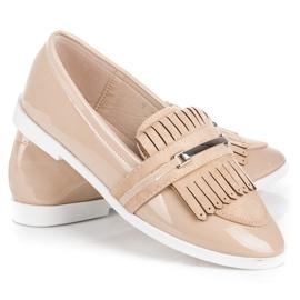 Ideal Shoes Beżowe lakierowane mokasyny beżowy 2