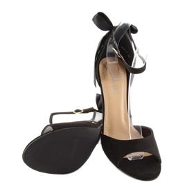 Sandałki na szpilce czarne Z921-7SA-2 black 1