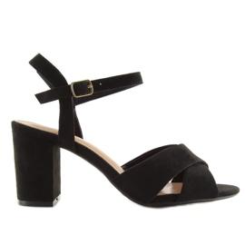 Sandałki na szerokim obcasie czarne 100 7