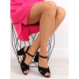 Sandałki na szerokim obcasie czarne 100 1