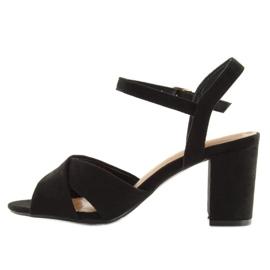 Sandałki na szerokim obcasie czarne 100 3