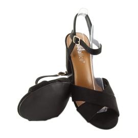 Sandałki na szerokim obcasie czarne 100 4
