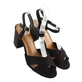 Sandałki na szerokim obcasie czarne 100 6