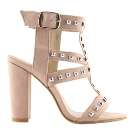 Sandałki na słupku z ćwiekami różowe 9909-3 6