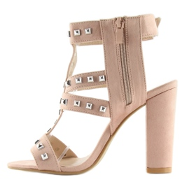 Sandałki na słupku z ćwiekami różowe 9909-3 2