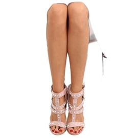 Sandałki na słupku z ćwiekami różowe 9909-3 4