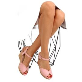 Sandałki na korkowym koturnie różowe 3811 2
